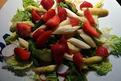 Spargelsalat mit Erdbeeren 4
