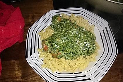 Spaghetti mit Mettwürstchen und Spinat 1
