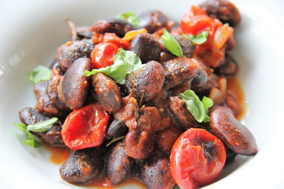 Käferbohnen In Tomatensauce Von Karolaola Chefkoch