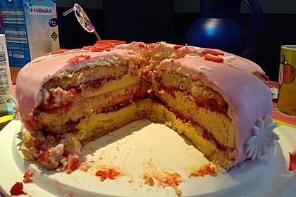 Festliche Torte mit Vanillecreme und Erdbeermousse 97