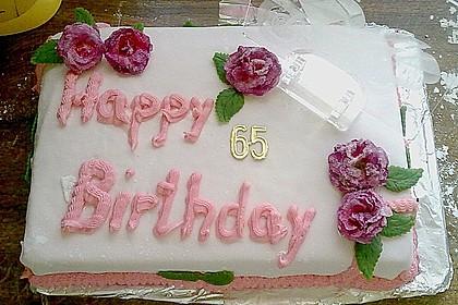 Festliche Torte mit Vanillecreme und Erdbeermousse 84