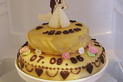 Festliche Torte mit Vanillecreme und Erdbeermousse 63
