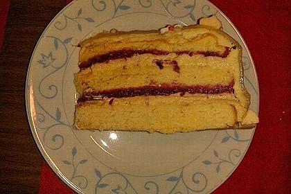 Festliche Torte mit Vanillecreme und Erdbeermousse 112