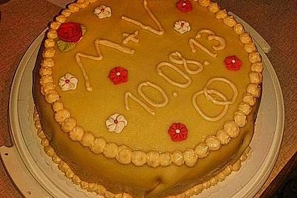 Festliche Torte mit Vanillecreme und Erdbeermousse 113