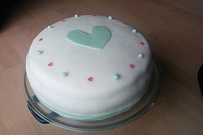 Festliche Torte mit Vanillecreme und Erdbeermousse 77