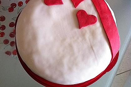 Festliche Torte mit Vanillecreme und Erdbeermousse 87