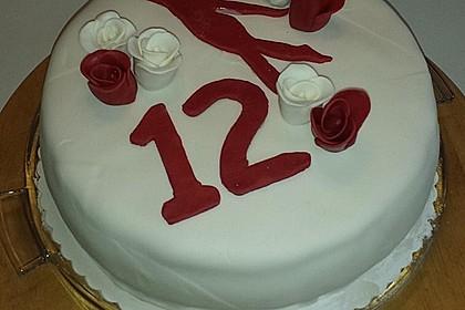 Festliche Torte mit Vanillecreme und Erdbeermousse 69
