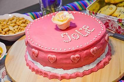 Festliche Torte mit Vanillecreme und Erdbeermousse 78