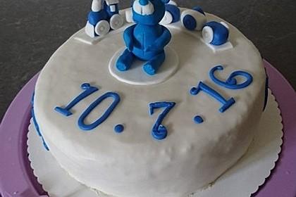 Festliche Torte mit Vanillecreme und Erdbeermousse 44