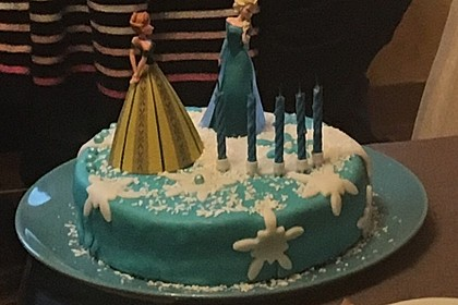 Festliche Torte mit Vanillecreme und Erdbeermousse 94