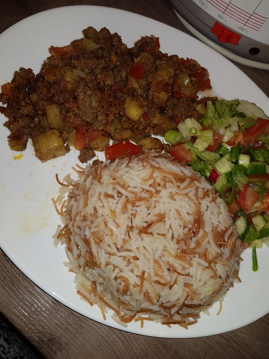 Arabische Hackfleisch - Gemüse - Pfanne mit Couscous von ...