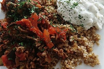 Arabische Hackfleisch - Gemüse - Pfanne mit Couscous 1