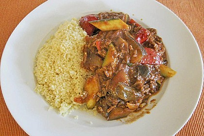 Arabische Hackfleisch - Gemüse - Pfanne mit Couscous 4