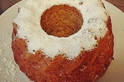 Saftiger Nuss - Joghurt - Gugelhupf 60