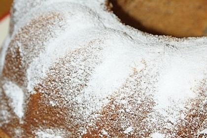 Saftiger Nuss - Joghurt - Gugelhupf 17