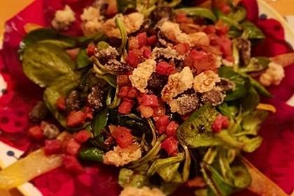 Carpaccio von Roter Bete mit Feldsalat, Birnen und Kürbiskernkrokant 27