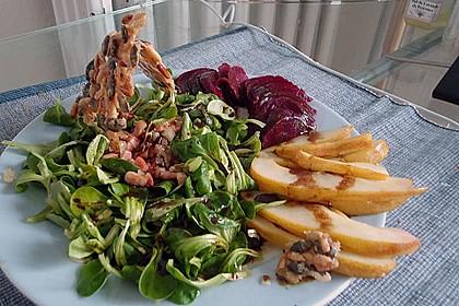 Carpaccio von Roter Bete mit Feldsalat, Birnen und Kürbiskernkrokant 36