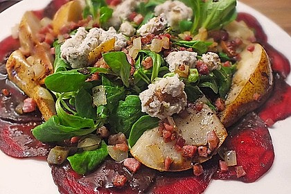 Carpaccio von Roter Bete mit Feldsalat, Birnen und Kürbiskernkrokant 10