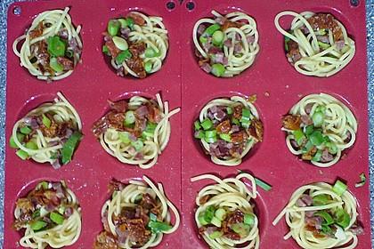 Spaghetti - Muffins mit Tomatensauce 8
