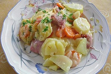 Kartoffel-Kohlrabi-Auflauf mit gekochtem Schinken