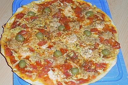 Pizzateig Grundrezept (Bild)