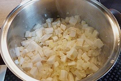 Selleriecremesuppe mit Parmesan 8