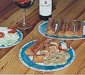 Gefüllte Pfannkuchen mit Pilzsoße (Bild)
