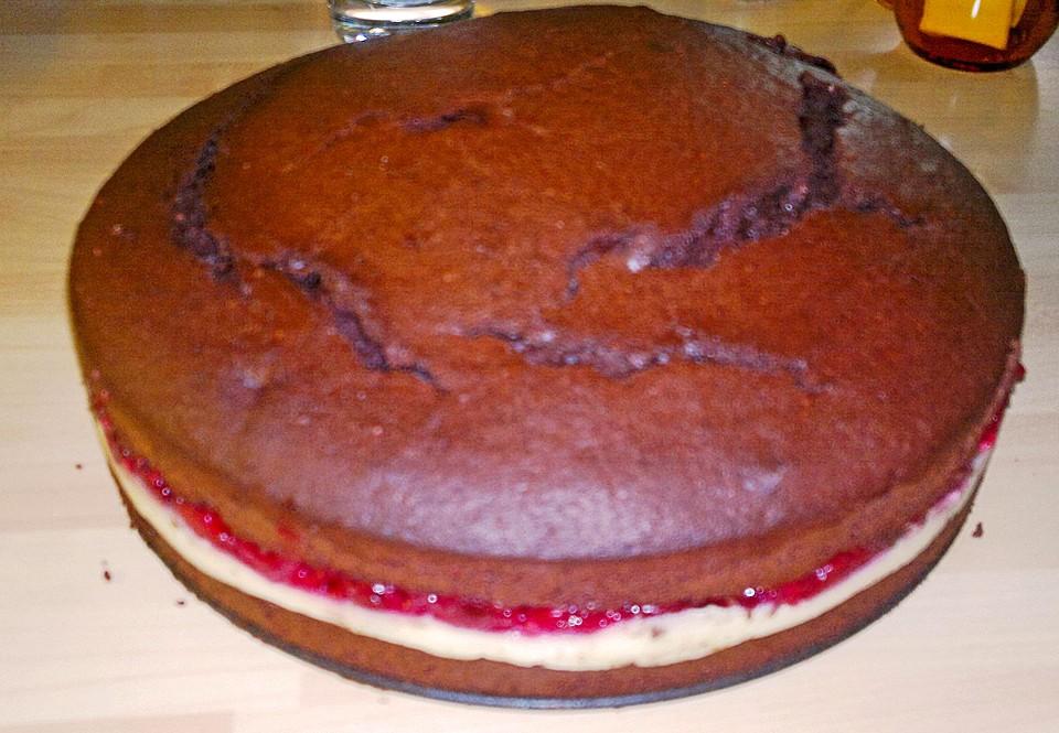 Schokotorte Mit Pudding Kirsch Fullung Von Devilsangel2408