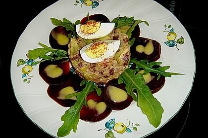 Rote Bete Carpaccio mit Thunfisch Avocado Timbal (Bild)