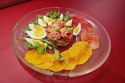 Rote Bete Carpaccio mit Thunfisch Avocado Timbal 3