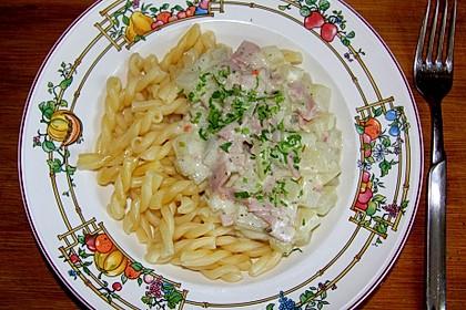 Nudeln mit Kohlrabi-Schinken-Sauce