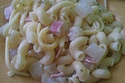 Nudeln mit Kohlrabi-Schinken-Sauce 38