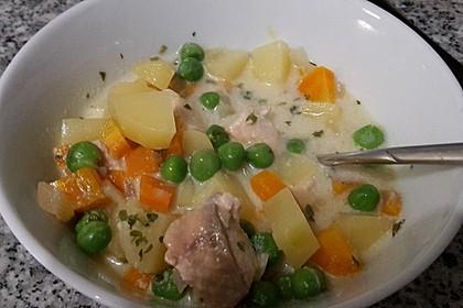 Schnelle Gemüsesuppe mit Kokosmilch und Lachswürfeln 14