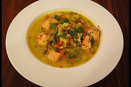 Schnelle Gemüsesuppe mit Kokosmilch und Lachswürfeln 7