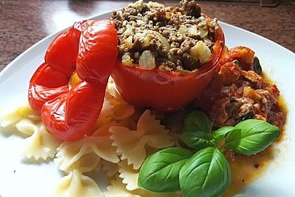 Gefüllte Paprika mit Hackfleisch, Feta und Zucchini 2