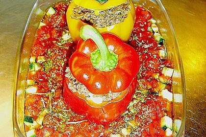 Gefüllte Paprika mit Hackfleisch, Feta und Zucchini 7