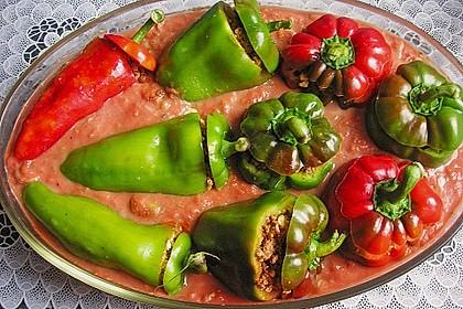 Gefüllte Paprika mit Hackfleisch, Feta und Zucchini 39
