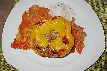 Gefüllte Paprika mit Hackfleisch, Feta und Zucchini 34