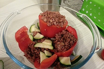 Gefüllte Paprika mit Hackfleisch, Feta und Zucchini 49