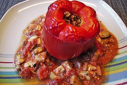 Gefüllte Paprika mit Hackfleisch, Feta und Zucchini 40