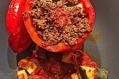 Gefüllte Paprika mit Hackfleisch, Feta und Zucchini 24