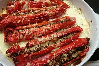 Gefüllte Paprika mit Hackfleisch, Feta und Zucchini 41