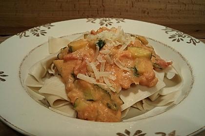 Zucchini und Tomaten in Sahnesoße 4