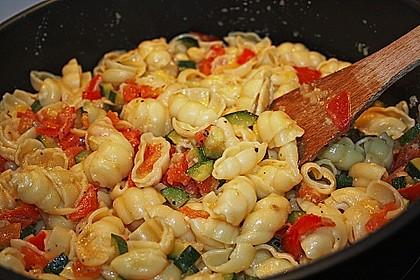 Zucchini und Tomaten in Sahnesoße 3