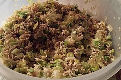 Chinesischer Nudelsalat mit Chinakohl und Lauch 4