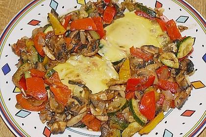 Gemüsepfanne mit Eiern und Käse 21