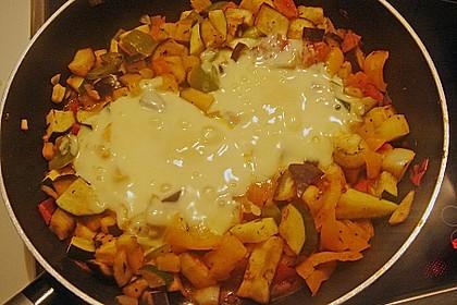 Gemüsepfanne mit Eiern und Käse 35