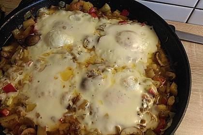 Gemüsepfanne mit Eiern und Käse 31