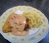 Wiener Schnitzel mit Tagliatelle und Schinken - Sahnesoße (Bild)