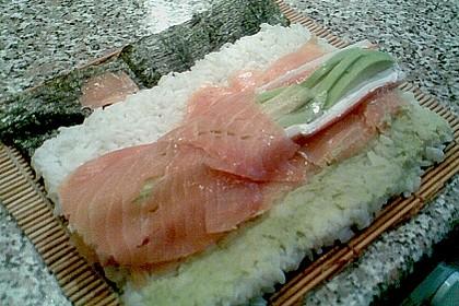 Futomaki, Sushi mit geräuchertem Lachs und Frischkäse 2